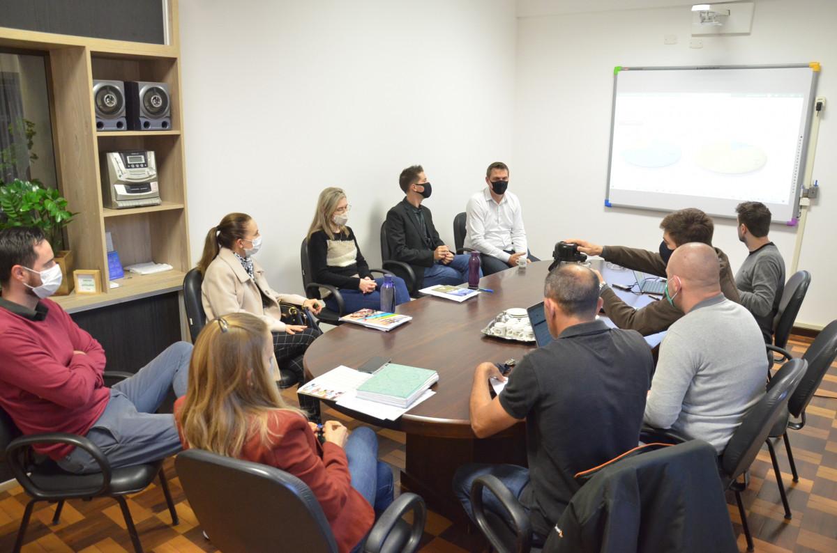 Equipe de Secretários se reúne com Prefeito para planejar próximas ações de suas secretarias