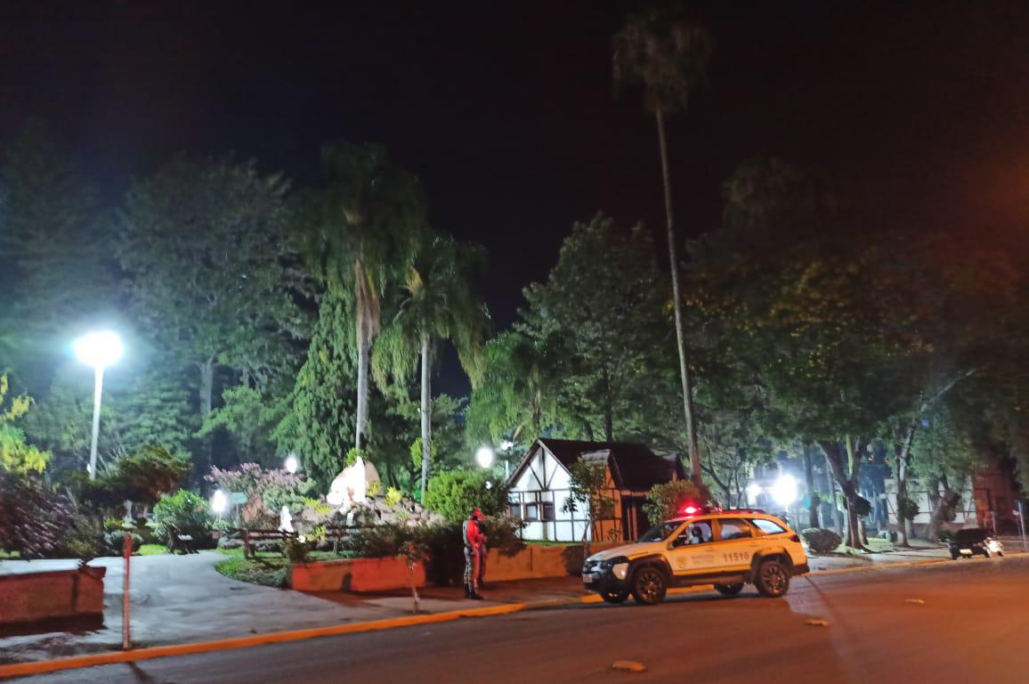 Força tarefa combate aglomerações na praça Lidovino Antônio Fanton