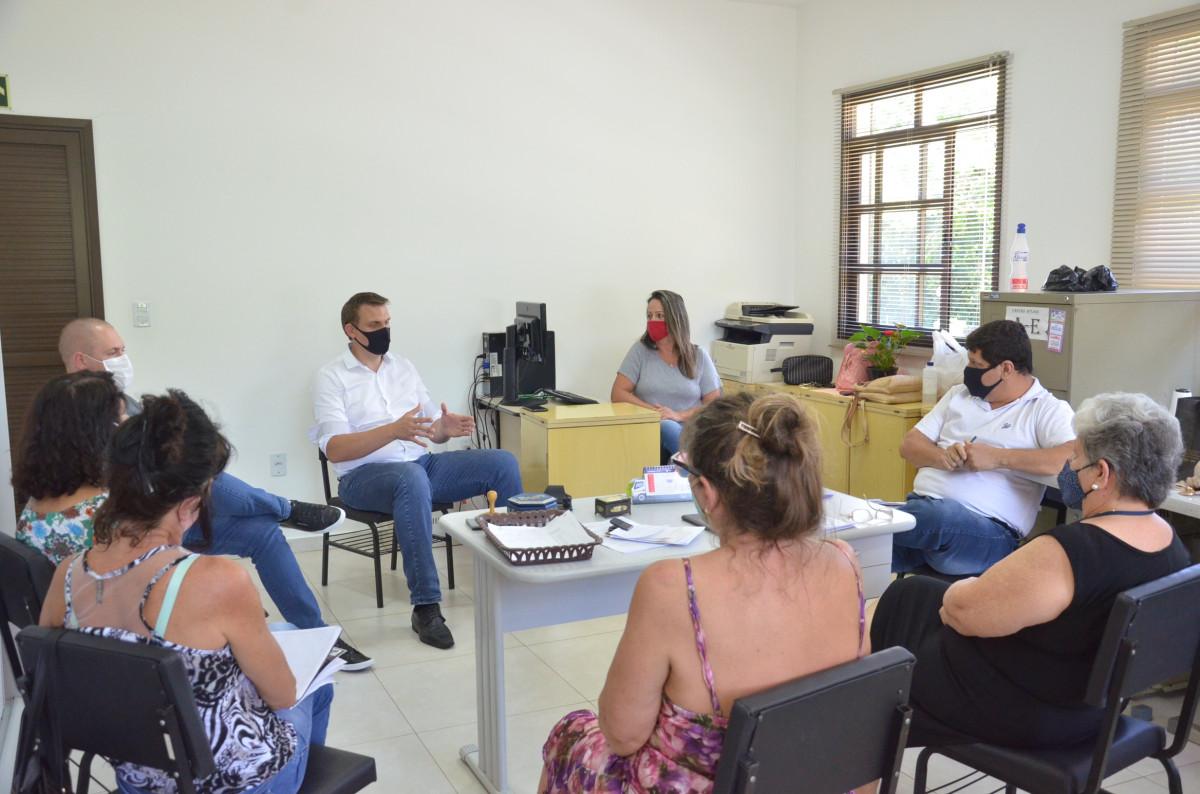 Prefeito se reúne com Conselho Tutelar e Assistência Social