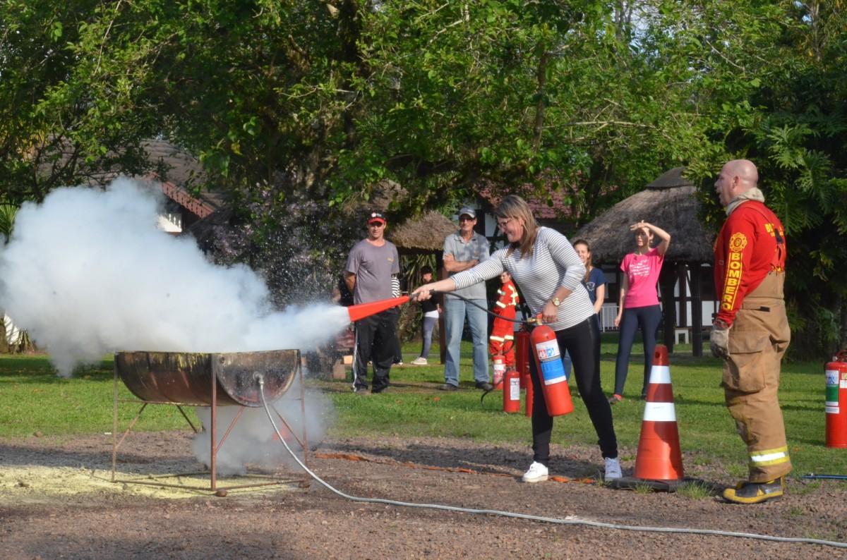 Servidores Municipais recebem treinamento de Primeiros Socorros e Combate a Incêndios