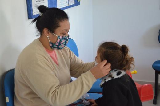 Administração Municipal doa máscaras para famílias atendidas pelo CRAS e idosos