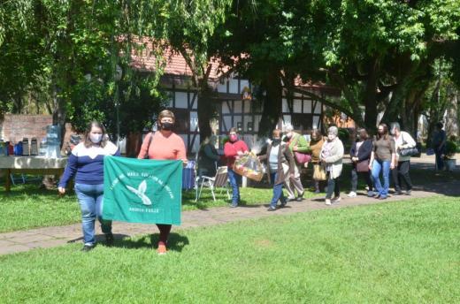 Clube de Mães realiza reencontro em celebração à vida