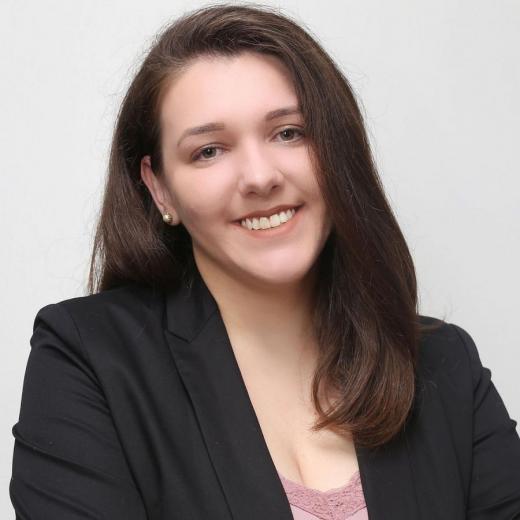 Débora Taís Seifert Queiroz, 24 anos
