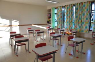 Administração busca  vacinação para professores e reforça luta pela volta às aulas