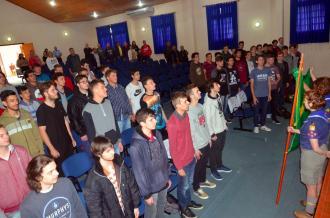 Jovens prestaram Juramento à Bandeira