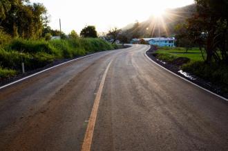 Mais famílias serão beneficiadas com asfalto no Vale do Lobo